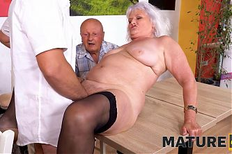 MATURE4K. Old man cant satisfy wife so she makes move