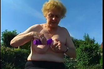 Fat granny fucked in garden