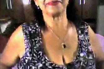 Sexy granny show boobs on webcam
